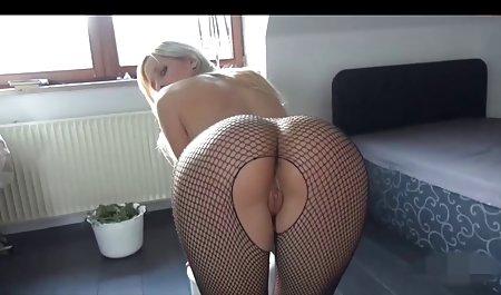 ژیمناستیک انعطاف پذیر بدون لباس بدن او را نشان می دهد صحنه های سکسی سریال جومونگ
