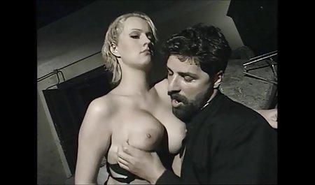 کاترین A در طبیعت قدم می صحنه های سکسی فیلم خارجی زند