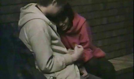 چاق آلیس با جوانان بزرگ با صحنه های سکسی در فیلم فرار از زندان یک شخص دوست داشتنی گاز گرفت