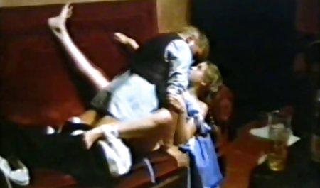 زن صحنه های سکسی در فیلم اسپارتاکوس بالغ روی نیمکت لعنتی می شود و خونسرد می خورد