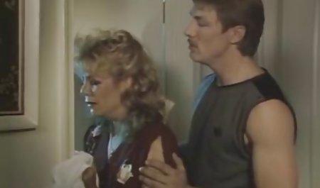ورزش صحنه های سکسی فیلم مردگان متحرک بلوند شاد به یک شخص در الاغ تسلیم شد