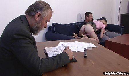 Busty Ava روی صحنه های سکسی فیلم فارسی آلت تناسلی مرد می پرید