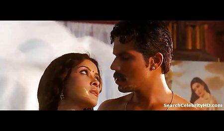 روسپی بالغ در جوراب ساق بلند ، مردی را در یک پشت صحنه فیلم های porn لیمو ول می کند