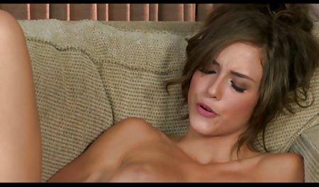 آنگلا مرغ صحنه سکسی سریال جومونگ پر زرق و برق استرالیا در بیدمشک