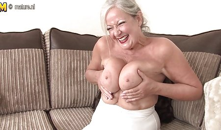 Queenie Masturbates Hot In سریال های صحنه دار سکسی The Kitchen