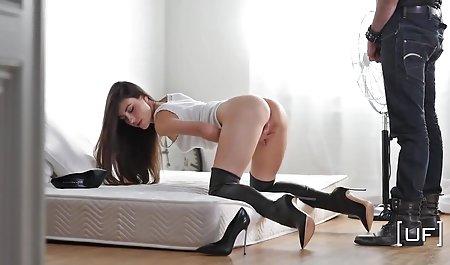 آلیس با اشتیاق سوراخ را صحنه های سکسی فیلم فرار از زندان نوازش می کند