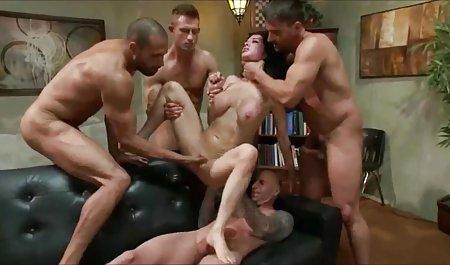 Capriana صحنه های سکسی خنده دار Maxima و Brandy Smile لیسیدند و رابطه جنسی برقرار کردند