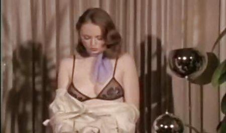 امیلی صحنه های سکسی فیلم دزدان دریایی شکوفه